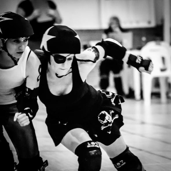ROLLERDERBY WITH THE CT ROLLERGIRLS