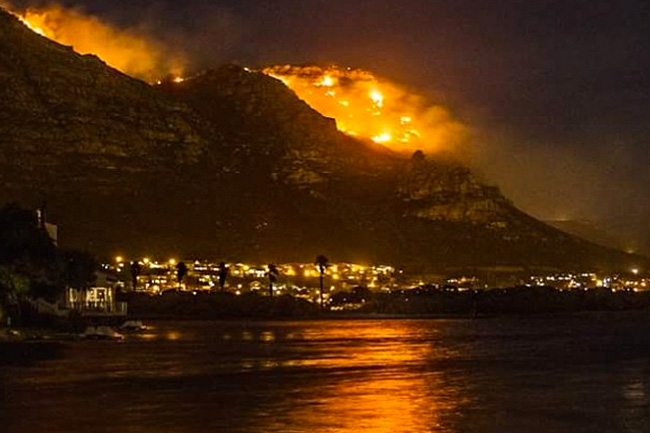MUIZENBERG FIRE GALLERY AND VIDEOS