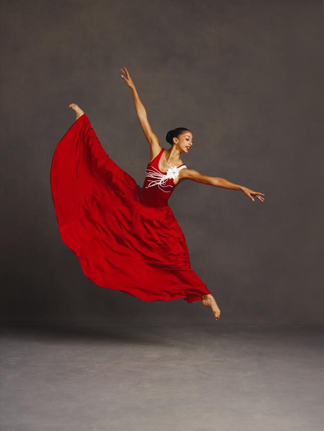 Alvin-Ailey-American-Dance-Theaters-Alicia-Graf-Mack-in-Alvin-Aileys-Memoria.-Photo-by-Andrew-Eccles