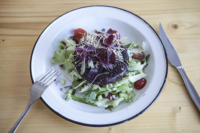 Bunless Balsamic Beet-It Veg Burger