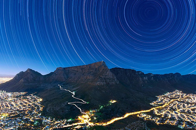 THIS PHOTO OF TABLE MOUNTAIN WON THE INTERNATIONAL EARTH & SKY PHOTO CONTEST 2015