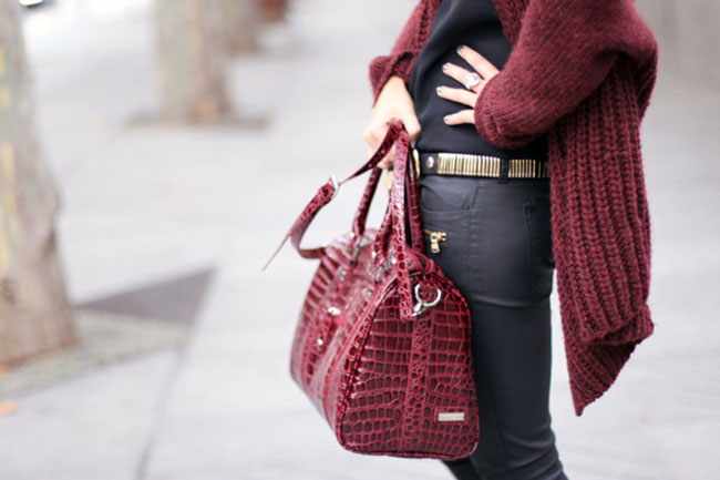 HOW TO WEAR BURGUNDY THIS WINTER