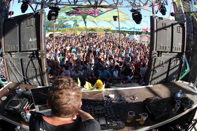 BEATS, SUN AND SMILES AT SUNFLOWER FESTIVAL 2015