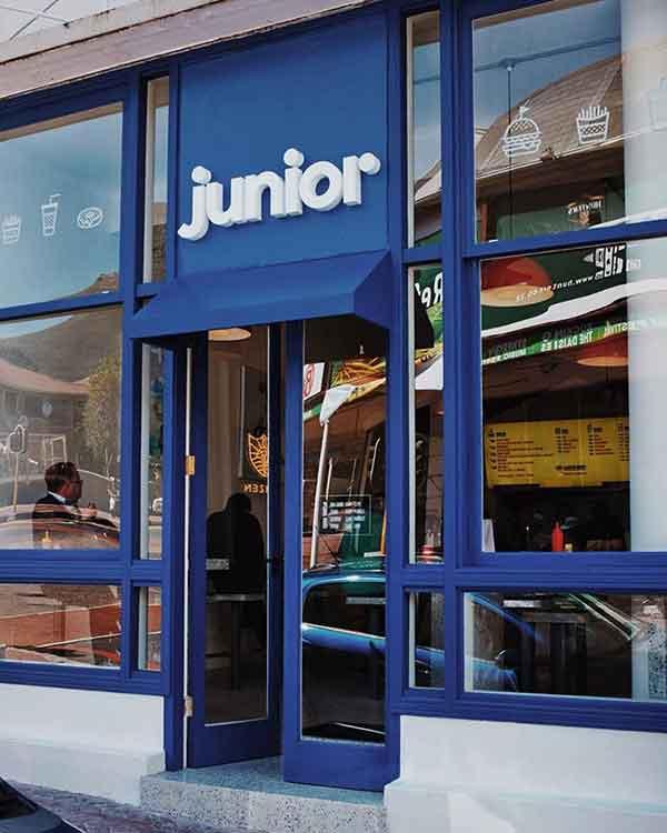 Junior-exterior