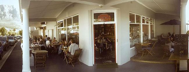 RED SOFA CAFE MOVIE NIGHT
