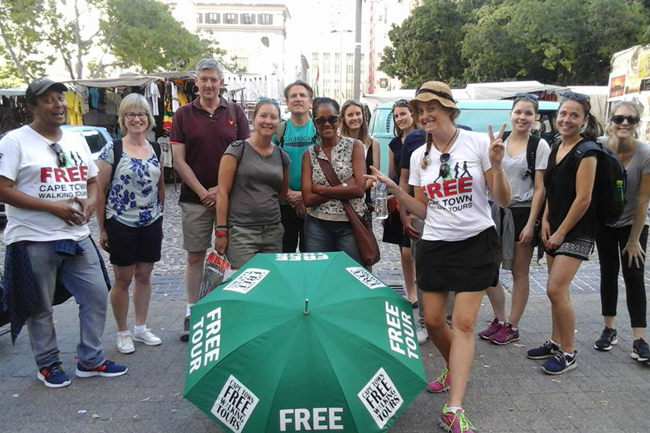 FREE WALKING TOURS OPEN YOUR EYES TO THE CITY