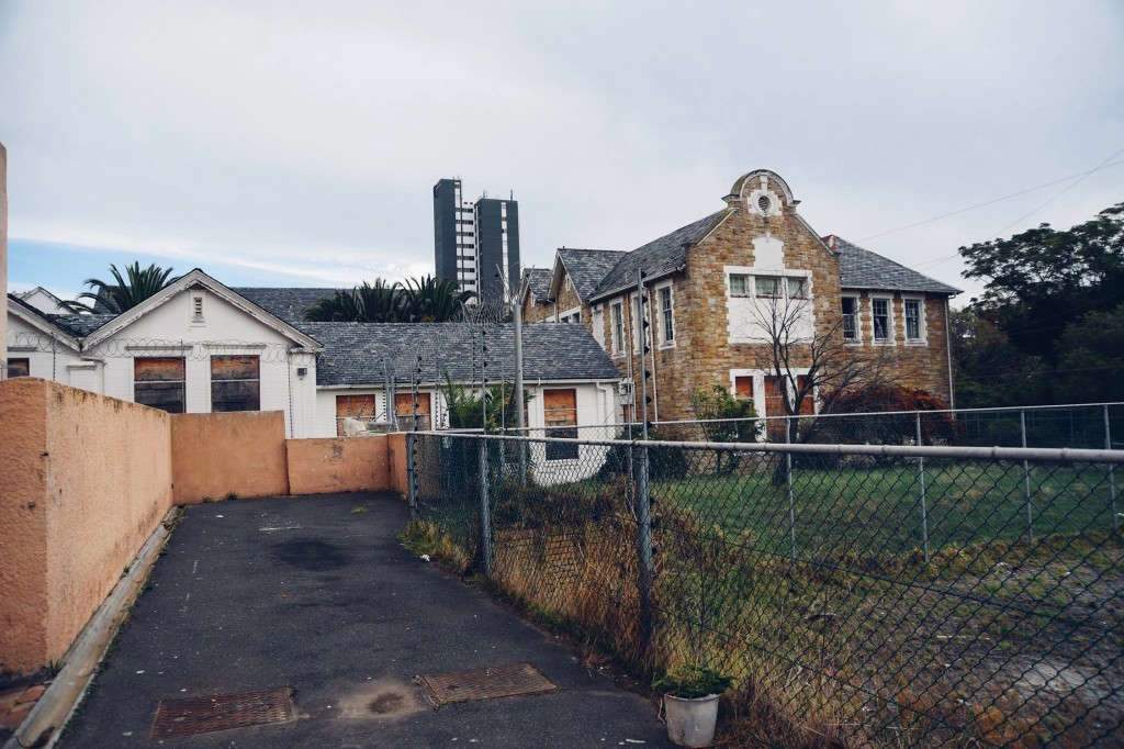 SALE HALT FOR SEA POINT SCHOOL