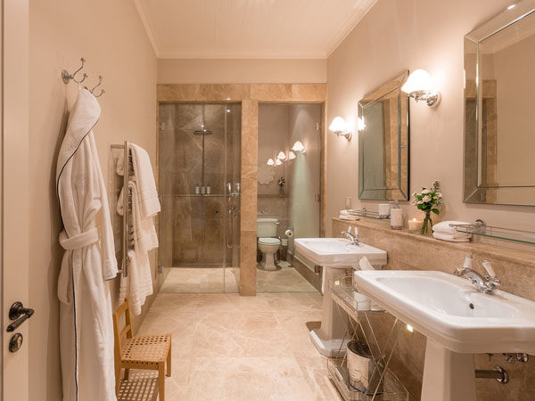 Leeu-Estates-Classic-Room---Shower-Only