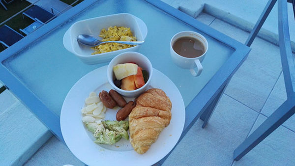 south-beach-holiday-accommodation-breakfast