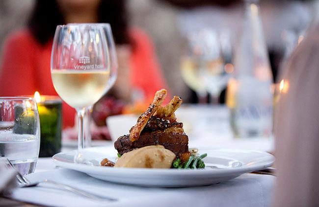VINEYARD-HOTEL-FOOD