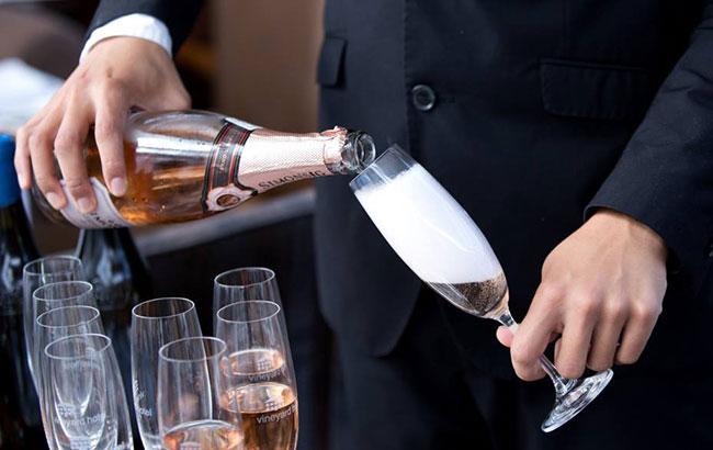 vineyard-hotel-featured-