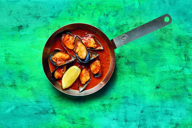 Ocean Basket Mussels in Med Sauce