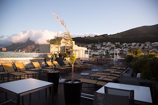 Zenith-Sky-Bar-rooftop-bar_Kendall-Leigh-Nash
