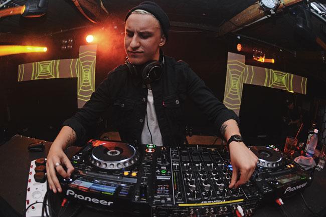 Das-Kapital-Live-DJ-Shot-Press-Pic-1-credit-Jono-Ferreira