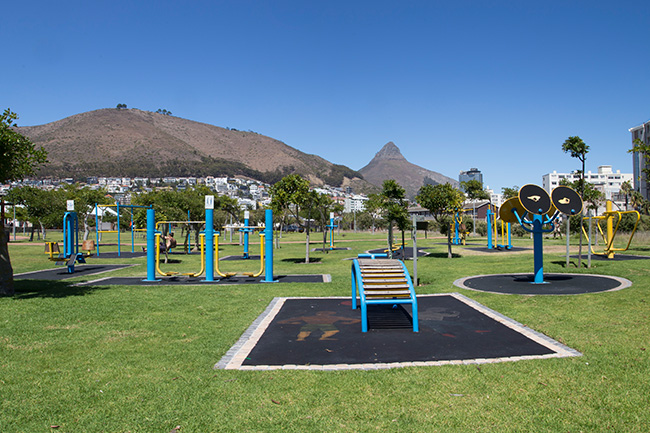 Green Point Park Urban Gym – S Dollery/HMimages