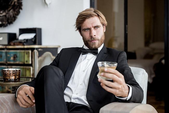 Model in Matt Black bow tie