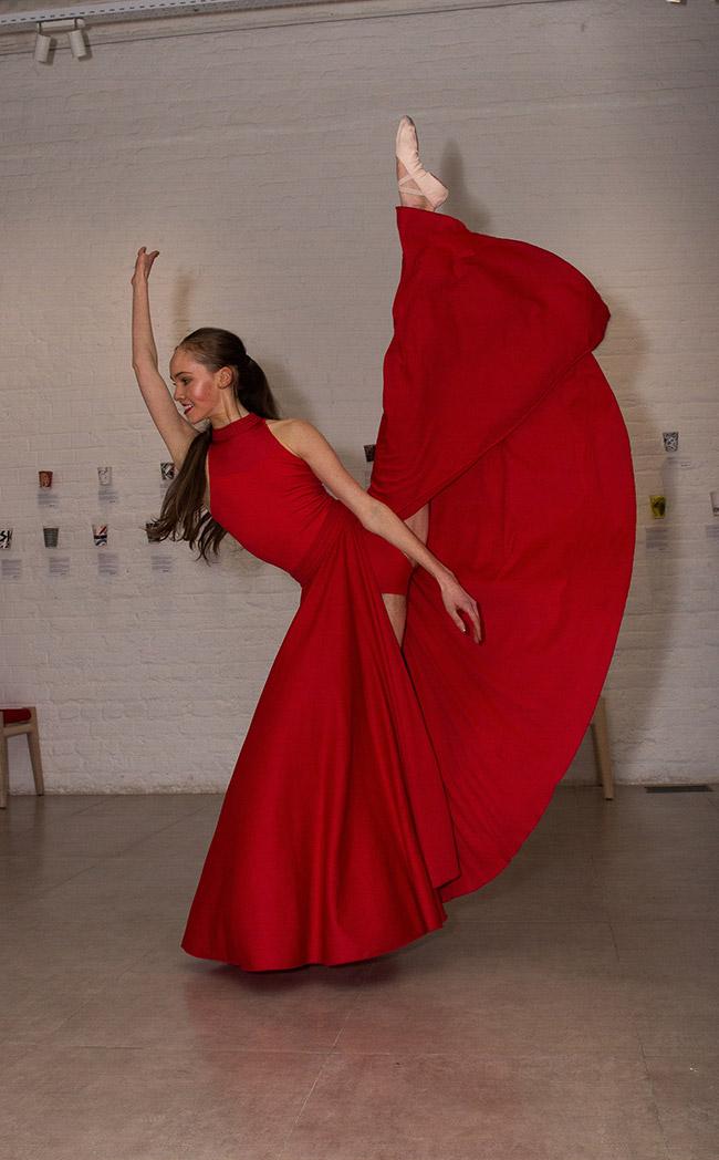 Figure of Eight dance performance.