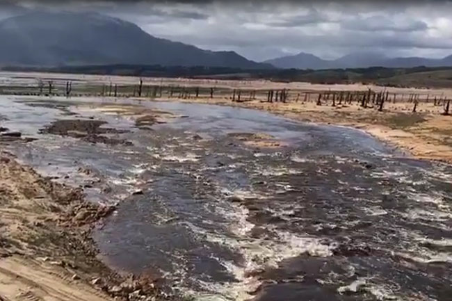 Theewaterskloof dam comes to life with fresh rainwater (video)