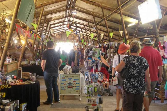 Sunday Market at the Barn