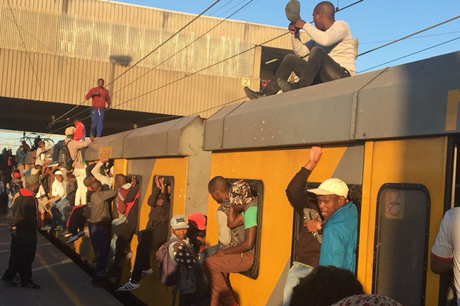 Cape Town commuter electrocuted on Metrorail