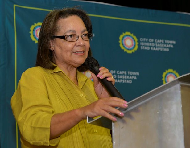 De Lille survives motion of no confidence vote