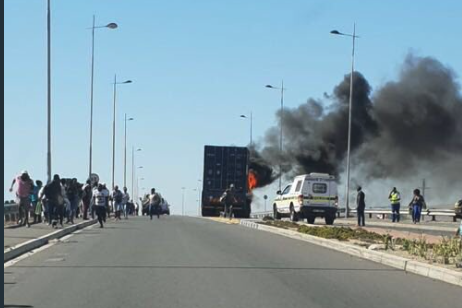 Protest in Dunoon - N7 highway backed up
