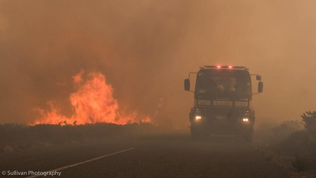 Pictures: Firefighters battle Cape Point blaze