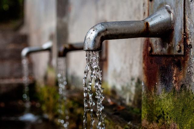 De Lille calls for 26.9% increase in water tariffs