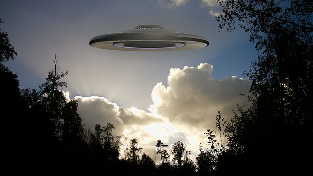 Is it a bird, is it a plane? No! It's a UFO