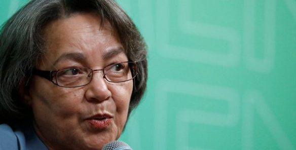 """De Lille calls new DA recall clause a """"witch hunt"""" against her"""
