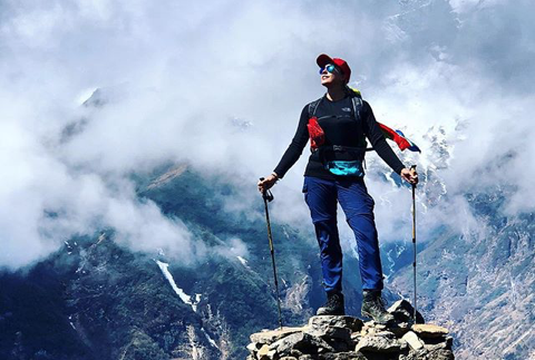 Mrs South Africa airlifted off Mount Everest