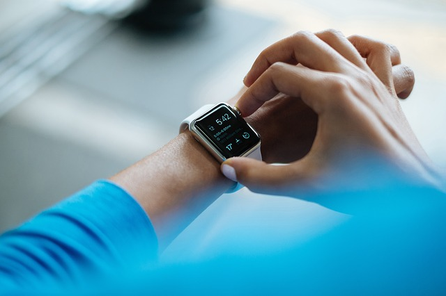 Universities ban smartwatches during exams