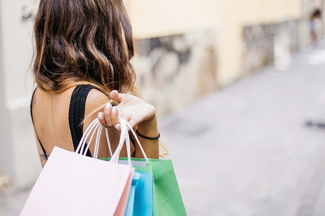 SA spent R31900 per second in retail stores in 2017