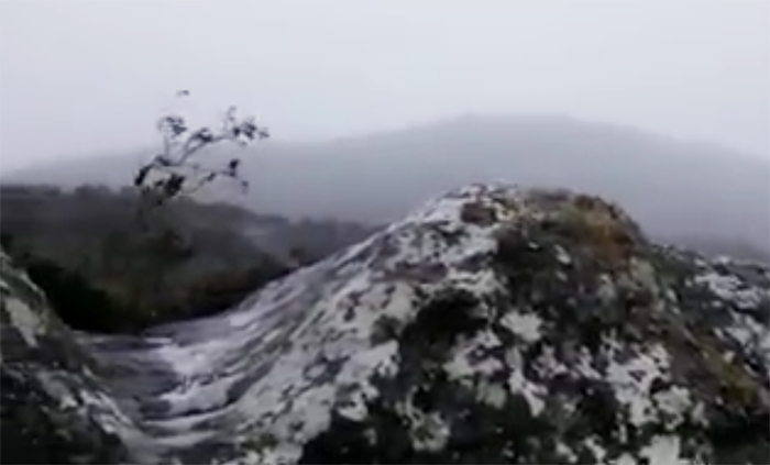 It's snowing on Table Mountain