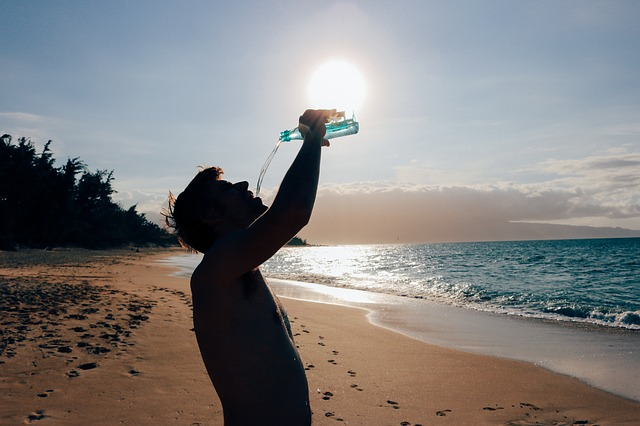 Hot weather pushes up water consumption