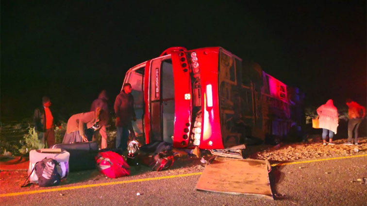 Ten die in Beaufort West bus crash