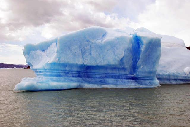 Iceberg proposal investigated by Water Commission