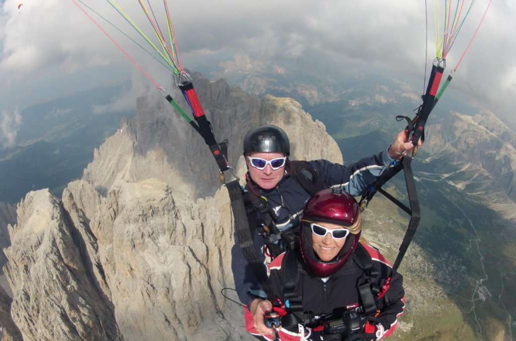 Condolences pour in for beloved paraglider