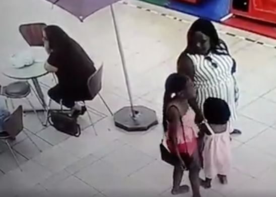 Mother uses child to steal bag