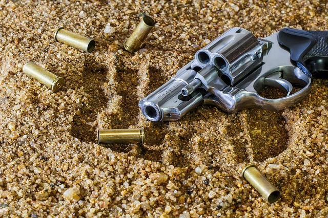 Hout Bay cop shoots wife, commits suicide