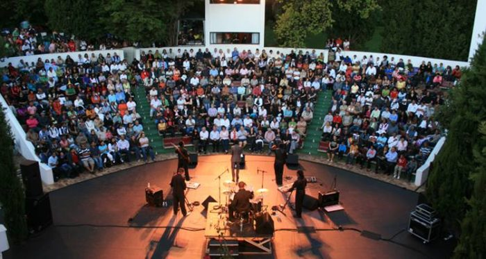 Open air entertainment at Oude Libertas Amphitheatre