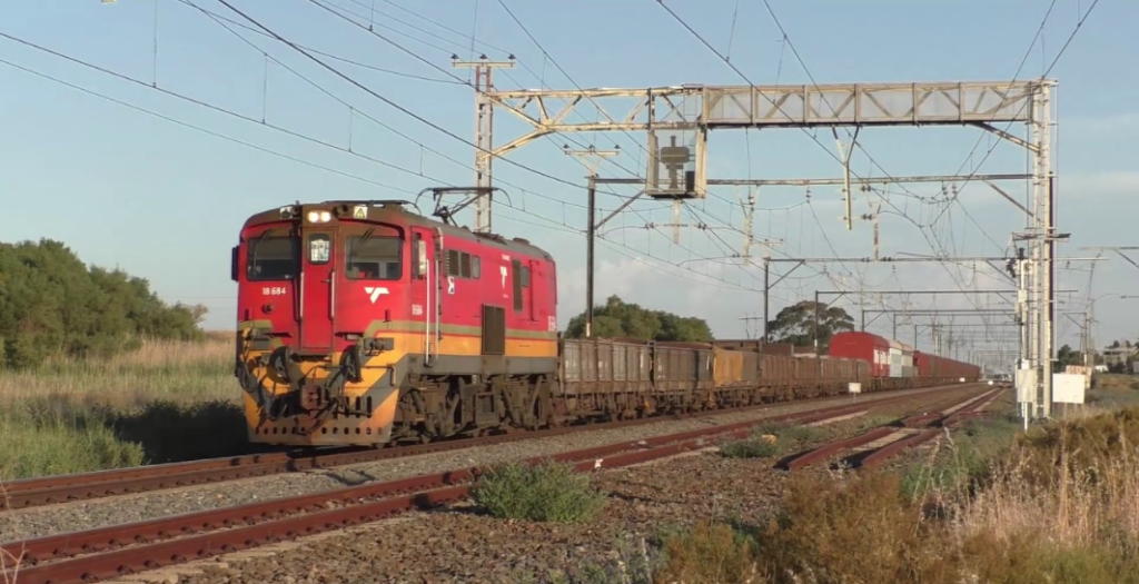 Train derails between Bellville and Tygerberg