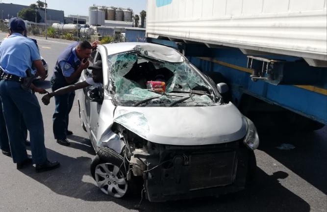 Drunk driver speeds through roadblock