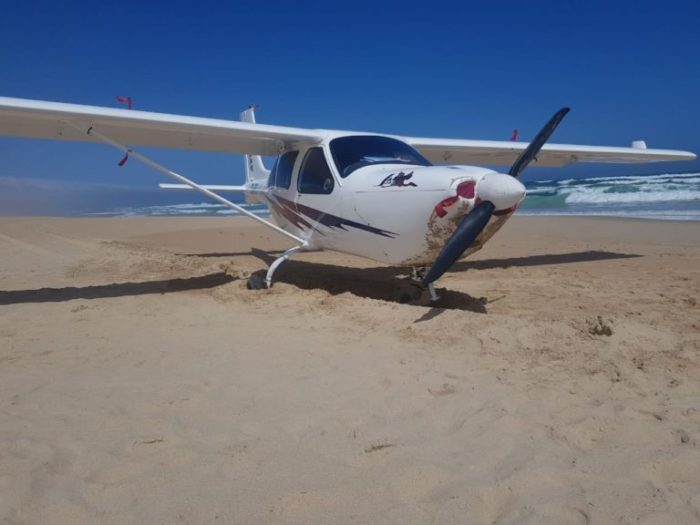 Aircraft makes emergency beach landing