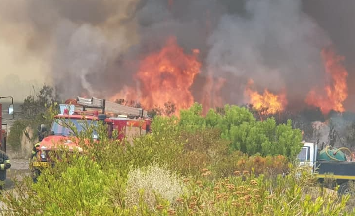 Houw Hoek Pass fire contained
