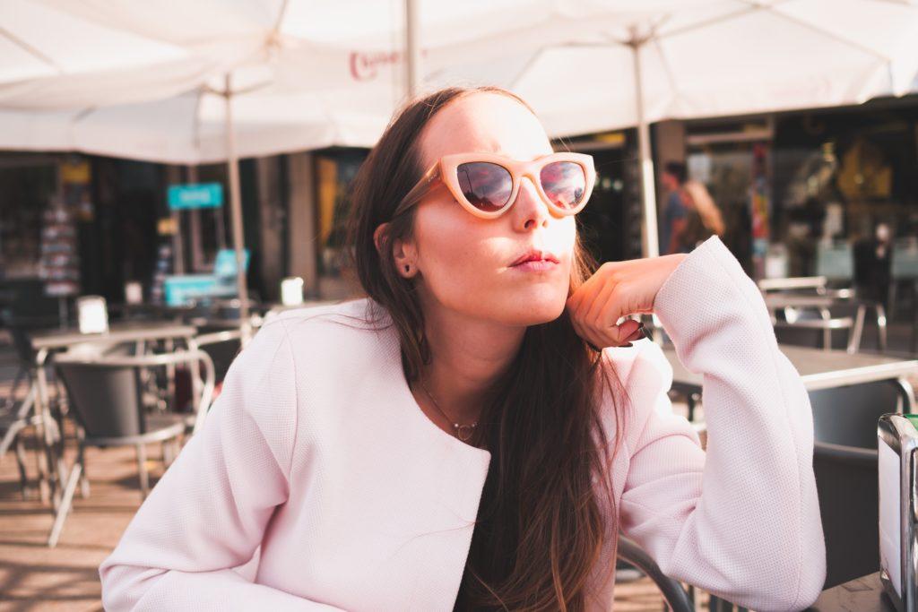 App lets models eat for free
