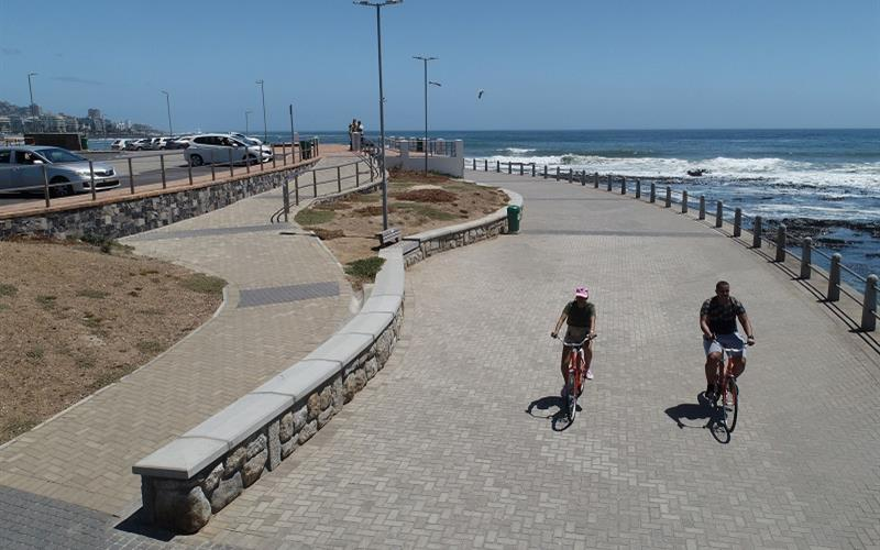City of Cape Town might limit bicycles on Sea Point Promenade