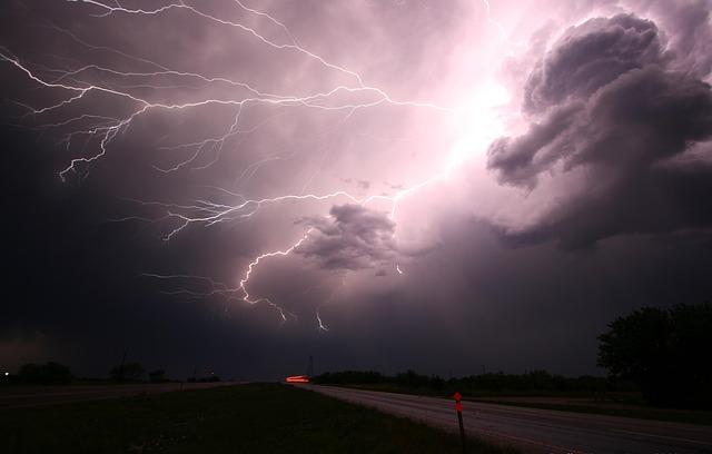 Thunder and lightning for Cape