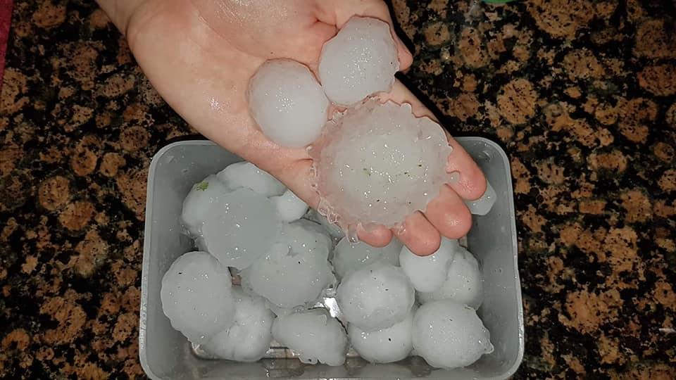 Hailstorm causes crash near Knysna