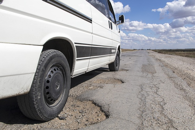 Government to pay if your car has pothole damage